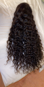 Great hair ! The curls are amazing an...